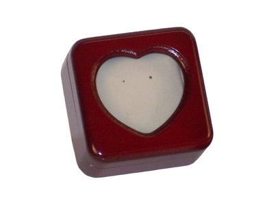 LEADING WOOD HEART CUTOUT 48