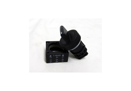 3 Position Selector Knob 22mm Diameter (needs contact block)
