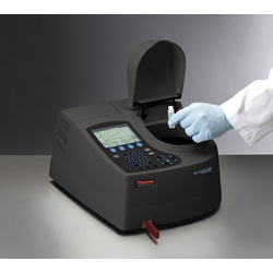 AquaMate 8000 UV-Vis Spectrophotometer (Thermo Scientific Orion)