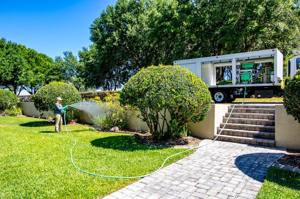 CCI Z Spray Lawn & Tree Care Spray Truck
