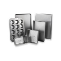 Six Piece Bakeware Set