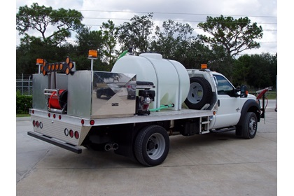 Roadside Spray Truck with Chemical Injection | 1100 Series