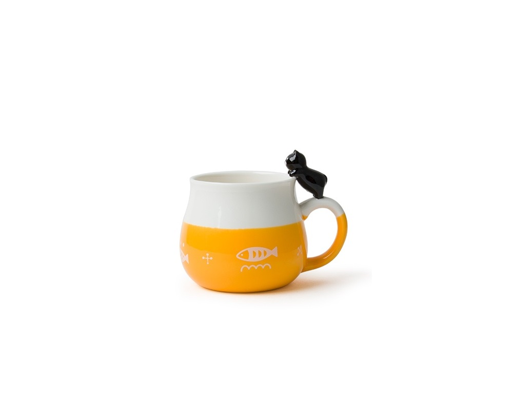 Cat Leaning Mug - Yellow