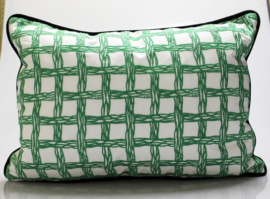 Green Lilly Lattice Pillow
