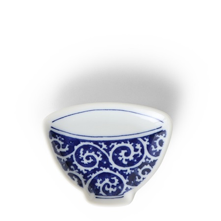 "Mini Plate 3.75"" Blue & White Teacup Karakusa"