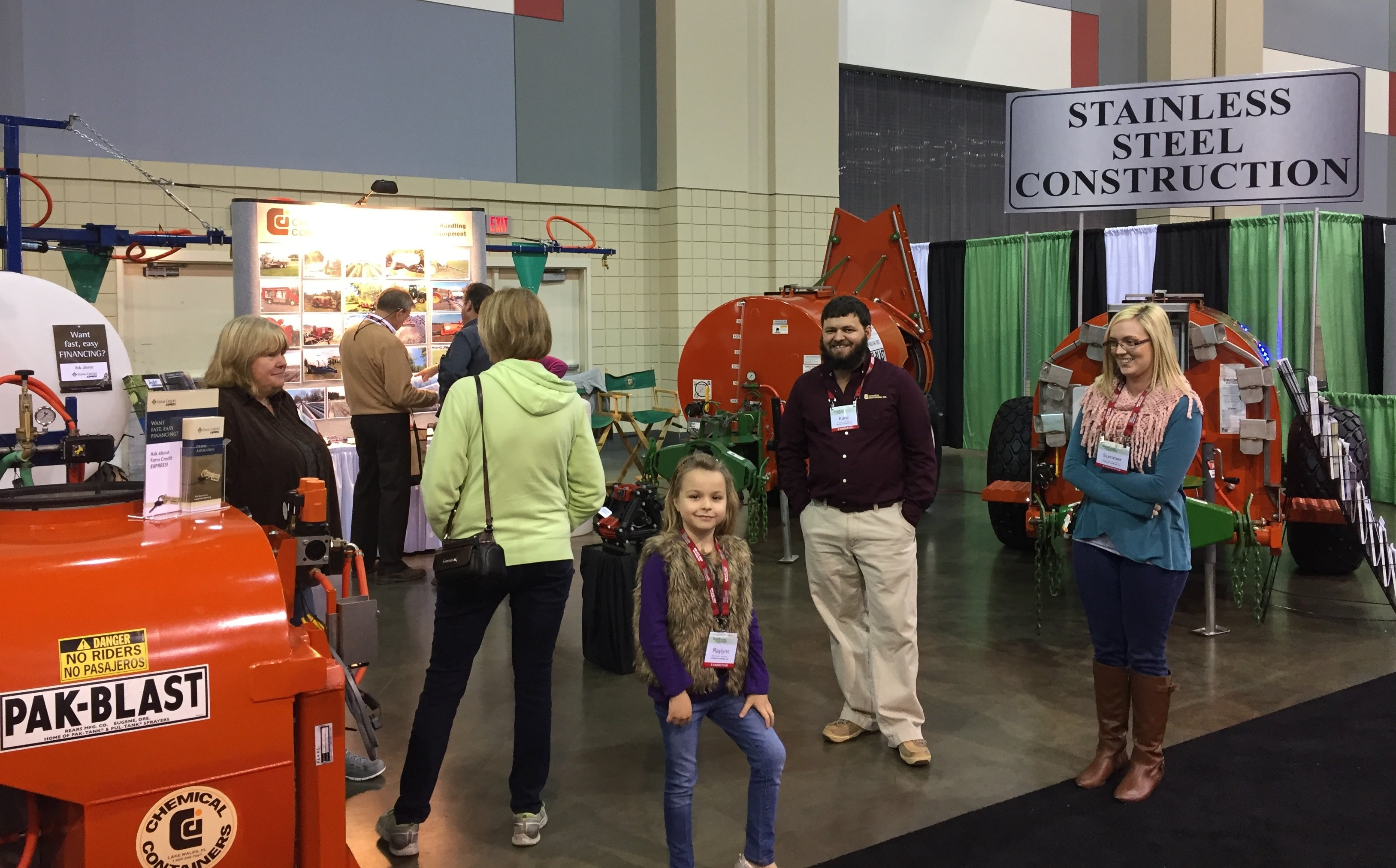 CCI with customers at the SE Regional Fruit & Vegetable Trade Show