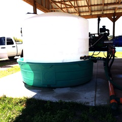 Tank set up for fertilizer injection system