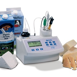 Acidity and pH Titrator for Milk and Cheese  (Hanna Instruments)