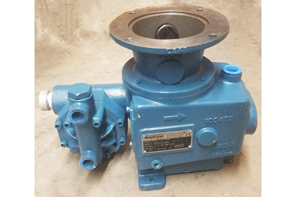 Neptune Metering Diaphragm Pump With Flange | 30 GPH