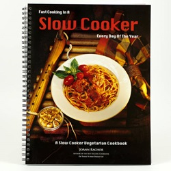 Slow Cooker Vegetarian Cookbook, by Rachor