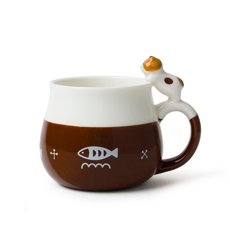 Cat Leaning Mug - Brown