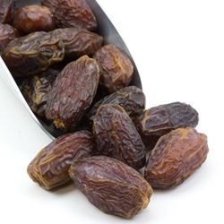Dates, Medjool, Choice, w/Pit - Organic